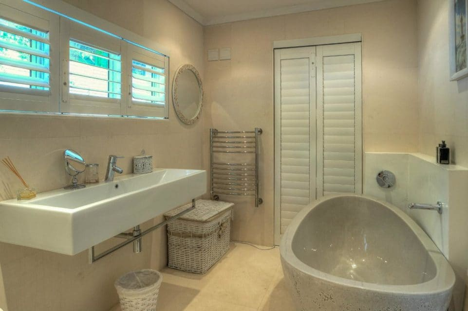 Barbados - En-suite to master bedroom