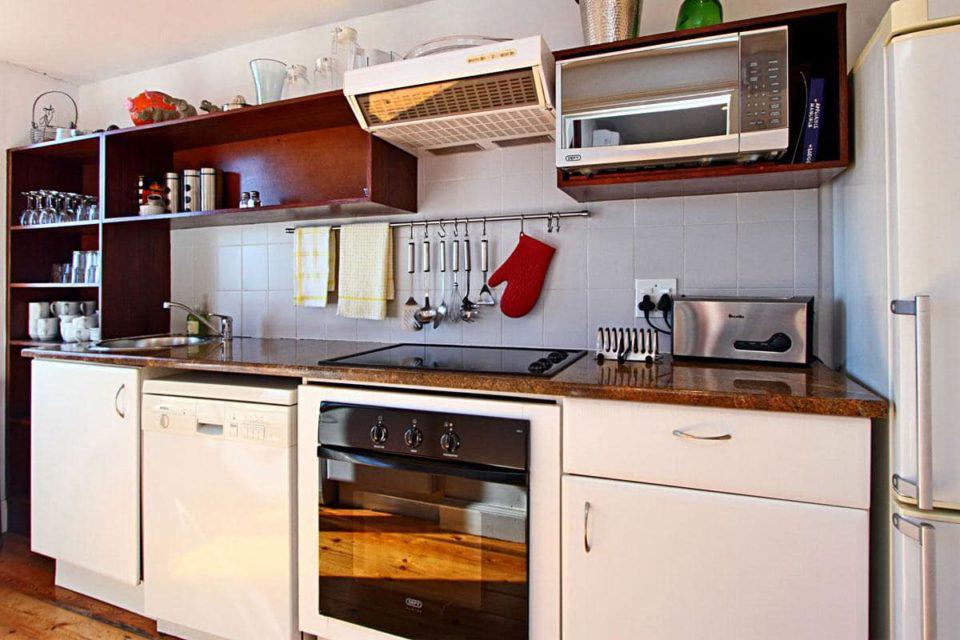 Camps Bay Terrace Lodge - Kitchen