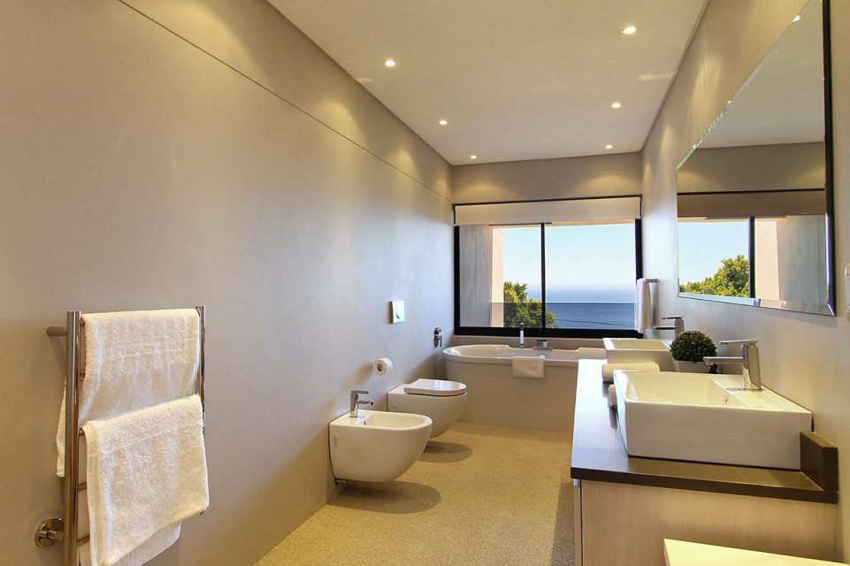 Casablanca - Master Bedroom En-suite Bathroom