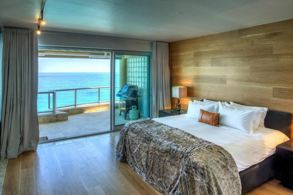 Clifton Rocks - Master bedroom & Views