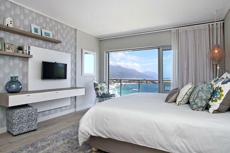 Dunmore Blue - Master bedroom & TV