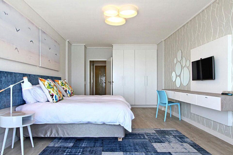 Dunmore Blue - Second bedroom & TV