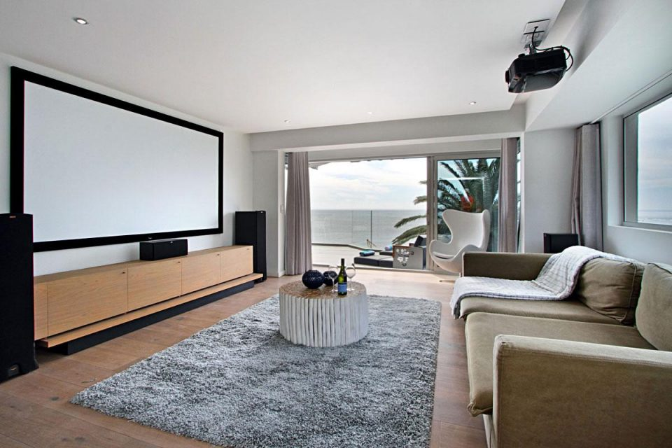Hougthon Penthouse - TV