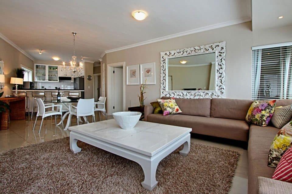 La Fleur - Living area