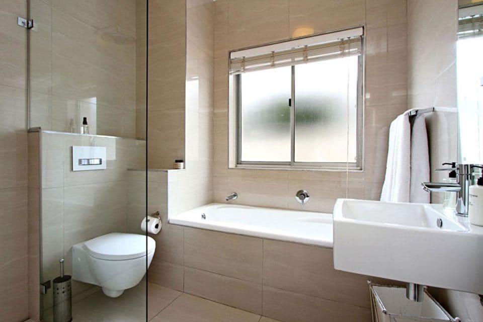 La Fleur - Bathroom