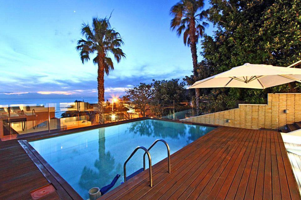 Medburn Alcove - Pool
