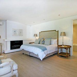 Silvertree - Master bedroom