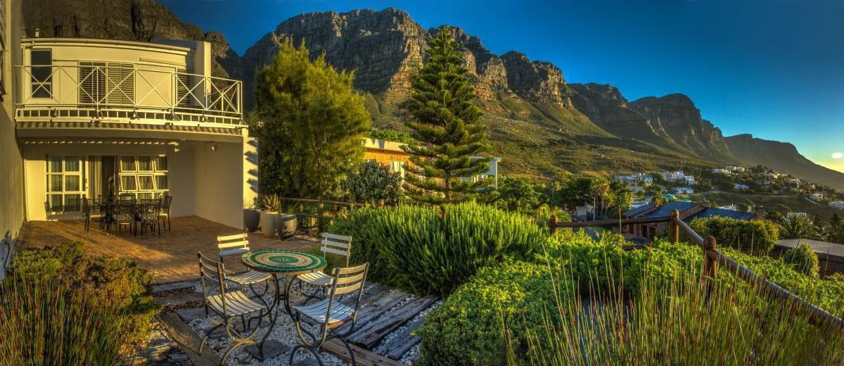 The Kestrel - Outdoor Dining & mountain view