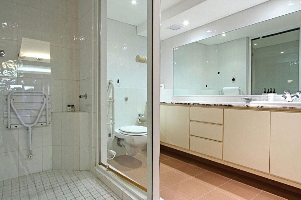 The Meadows - Third bathroom