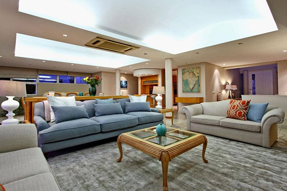 The Meadows - Living and dining area