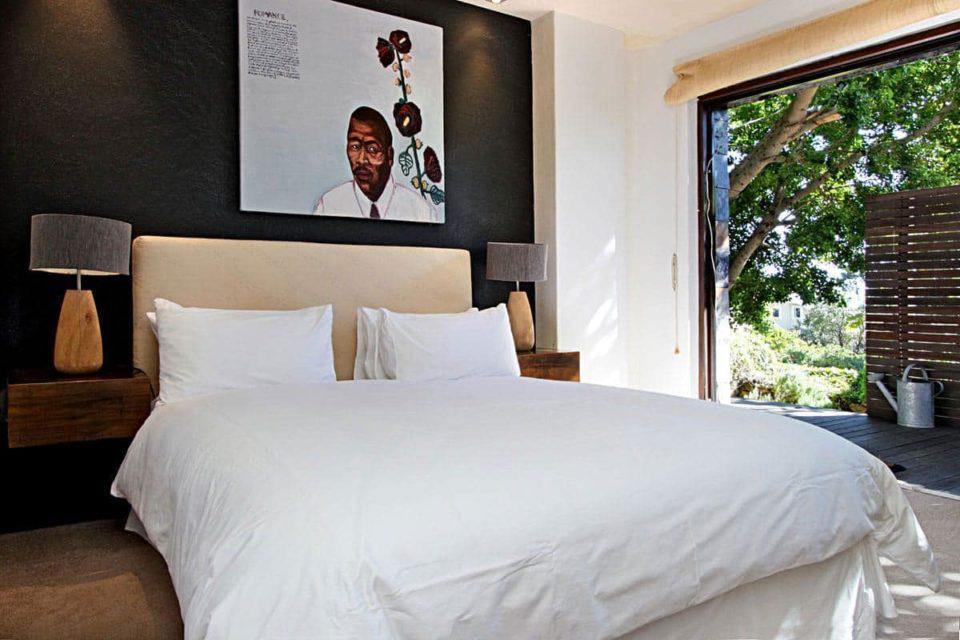 17 Geneva Lower - Master bedroom