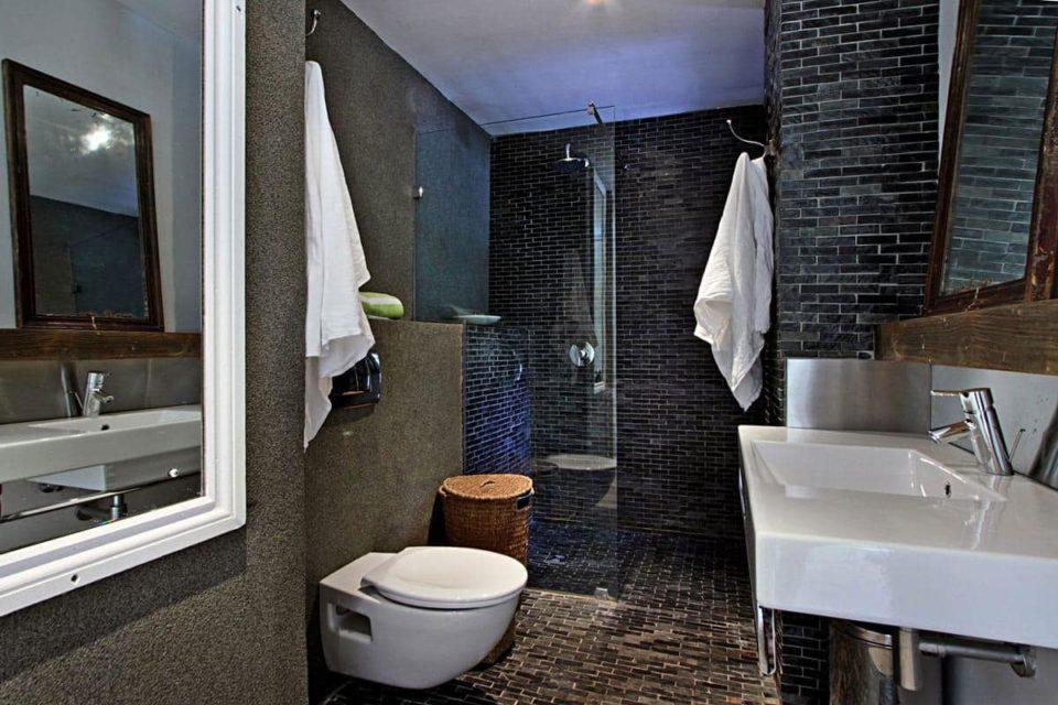 17 Geneva Lower - En-suite to master bedroom