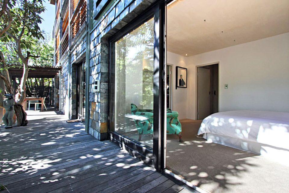 17 Geneva Lower - Exterior & master bedroom