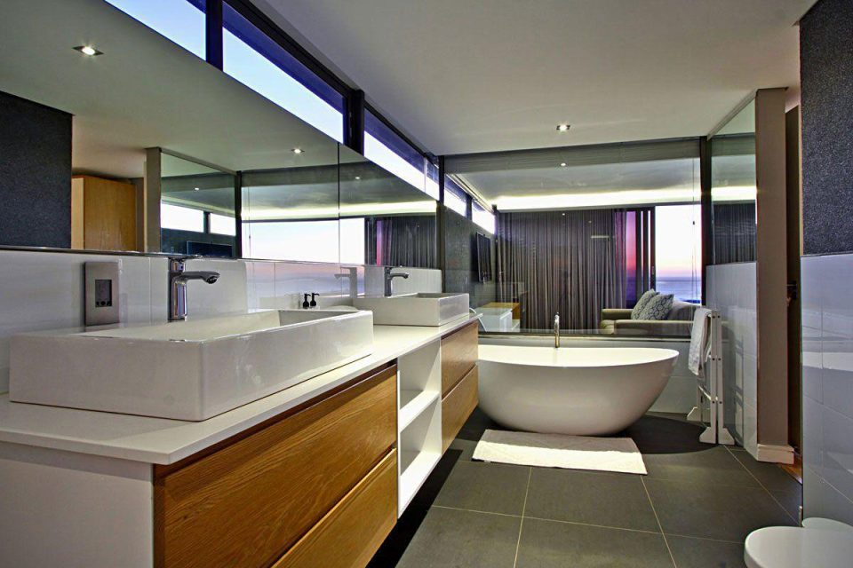 The Cheviots - Master Bedroom En-suite Bathroom