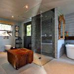 17 Geneva Upper - En-suite to master bedroom
