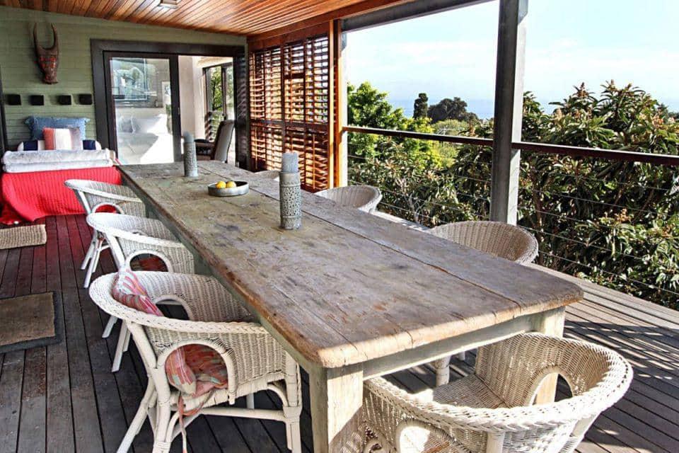 17 Geneva Upper - Outdoor seating