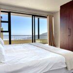Medburn Views Penthouse - Second bedroom & Views