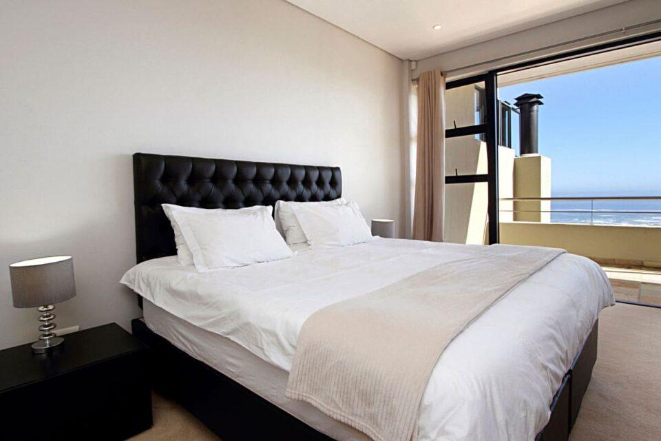 Medburn Views Penthouse - Second bedroom