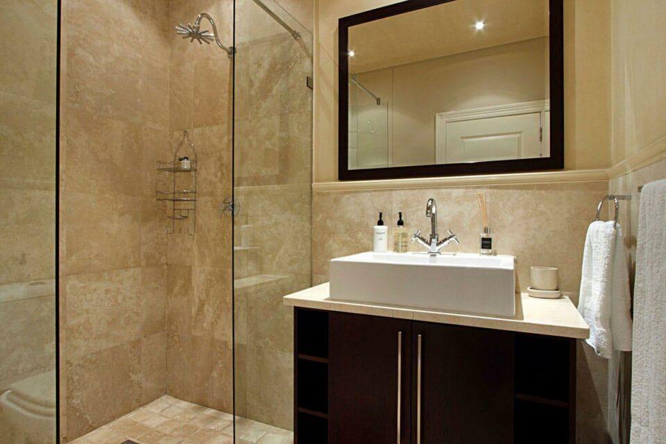 Medburn Views Penthouse - Bathroom