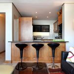 Panorama Apartment - Kitchen counter & seating
