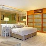 17 Geneva Drive - Master bedroom