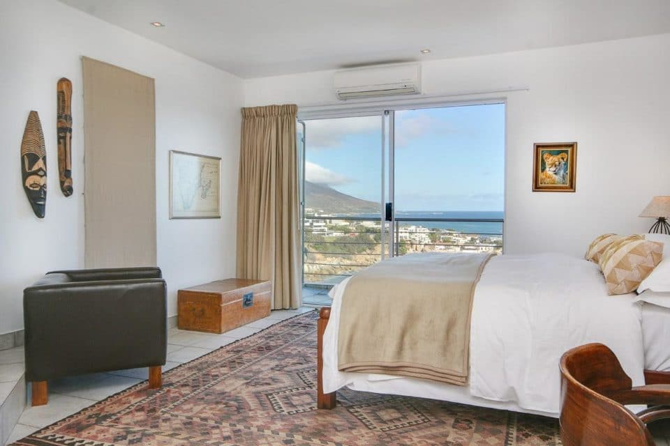 Camps Bay Terrace Penthouse - Master bedroom