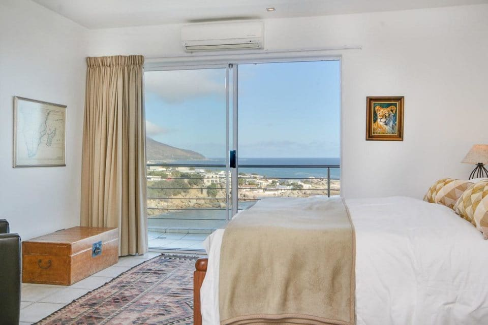Camps Bay Terrace Penthouse - Master bedroom & view