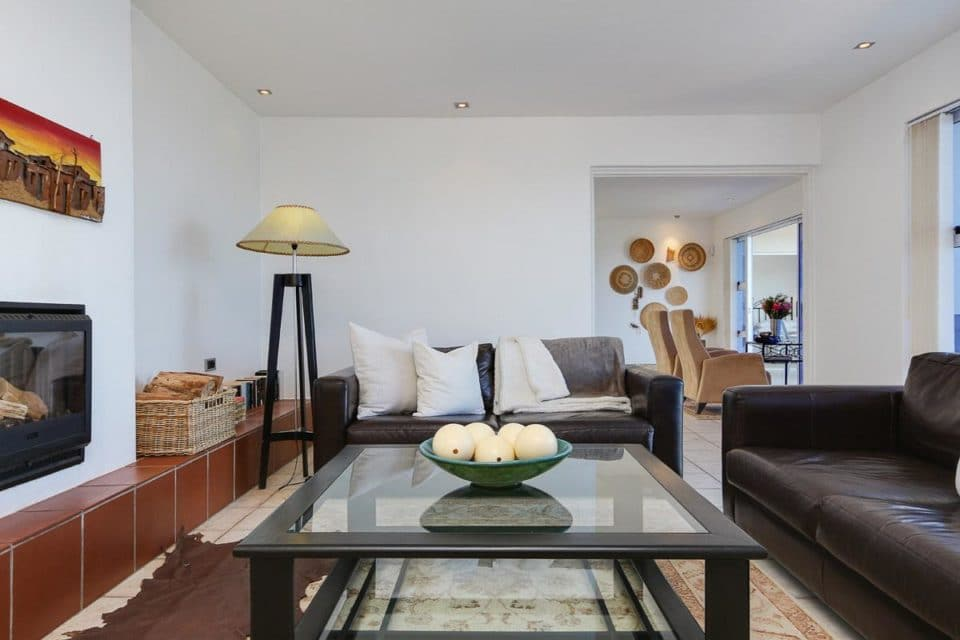 Camps Bay Terrace Penthouse - Living & dining area