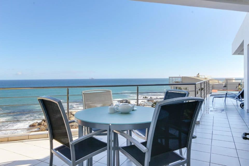 Camps Bay Terrace Penthouse - Outdoor Dining