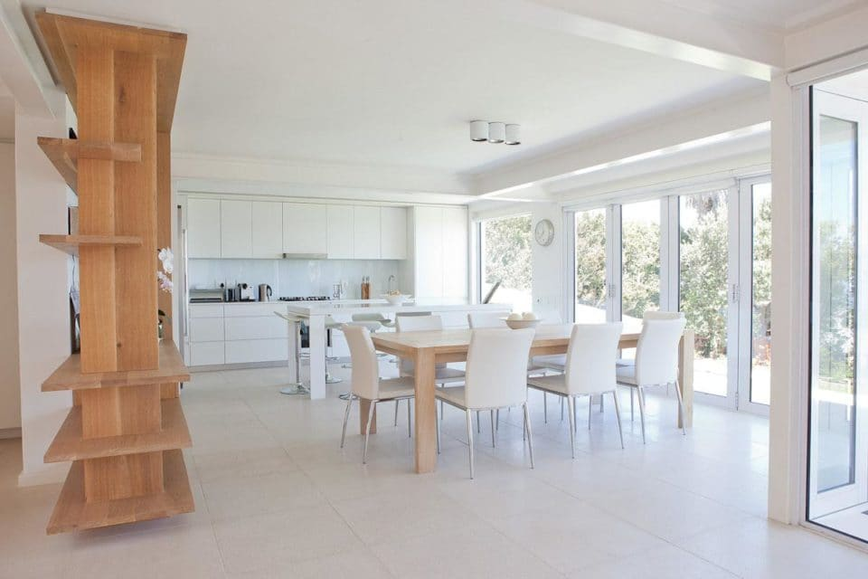 Le Blanc Villa - Dining & Kitchen area