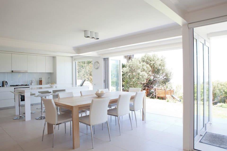 Le Blanc Villa - Dining area