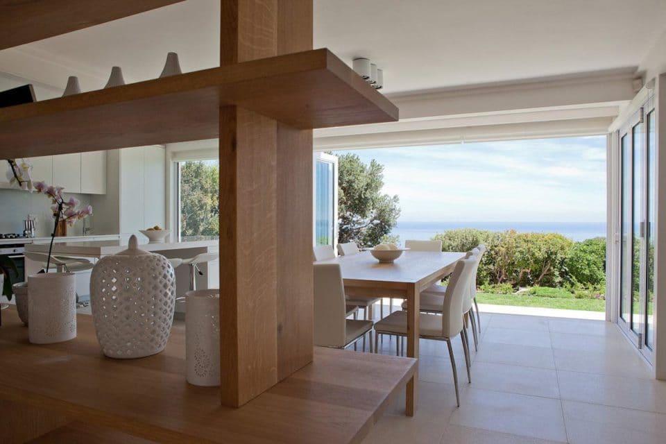 Le Blanc Villa - Dining area & View