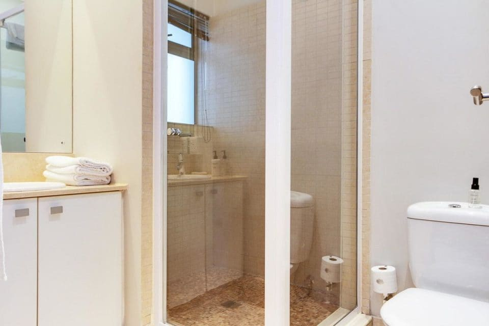1700 Icon - Bathroom