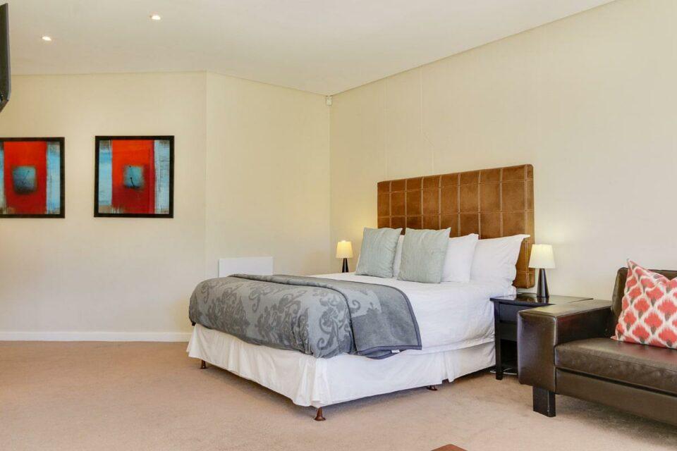 100 Geneva - Sixth bedroom