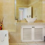100 Geneva - Bathroom