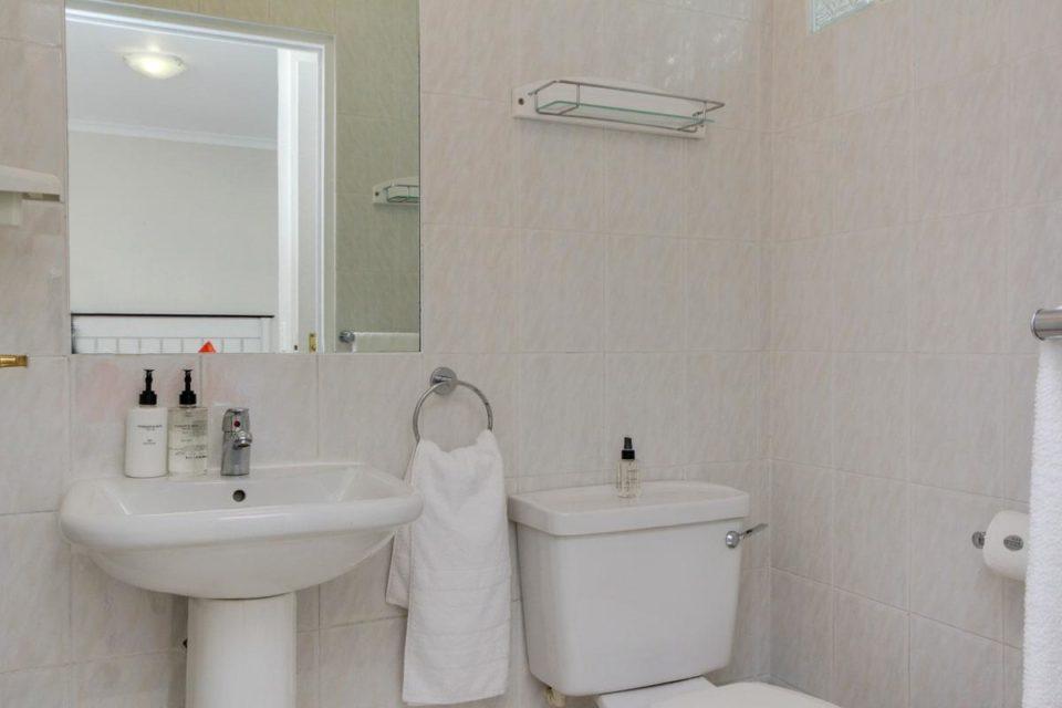 Iago - Second Bedroom En-suite