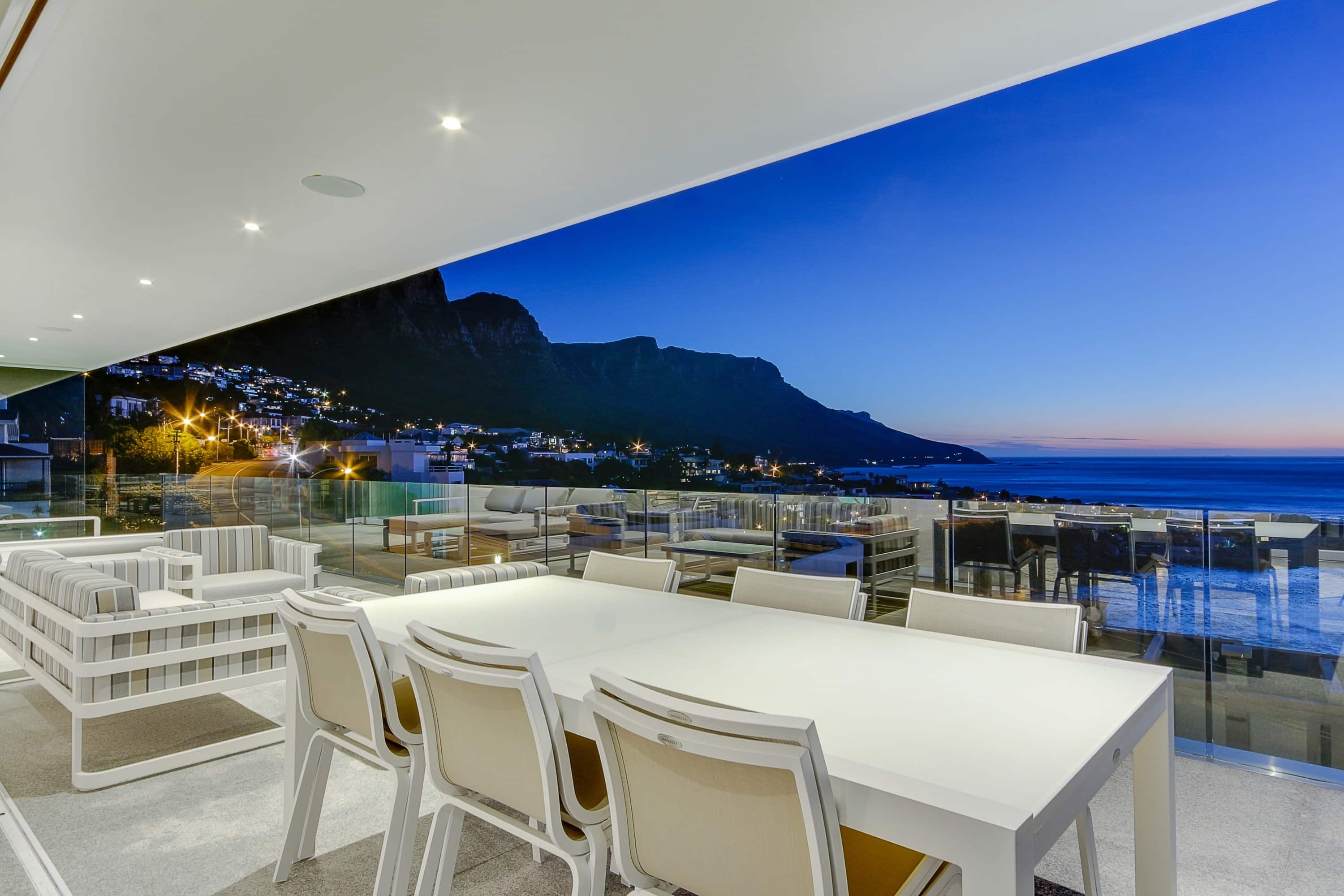 Holiday Rental In Camps Bay