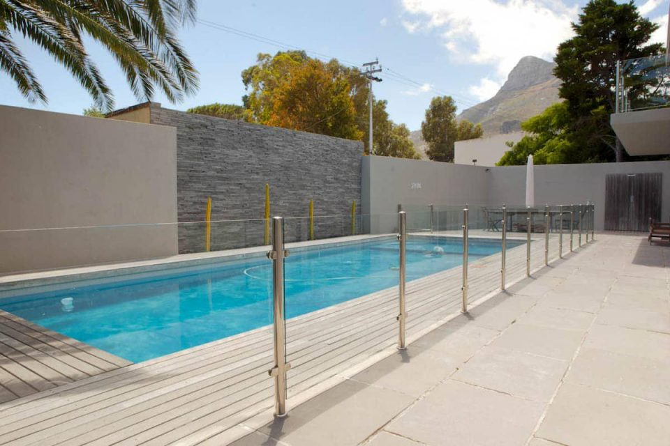 Central Drive - Swimming Pool & Glass fencing