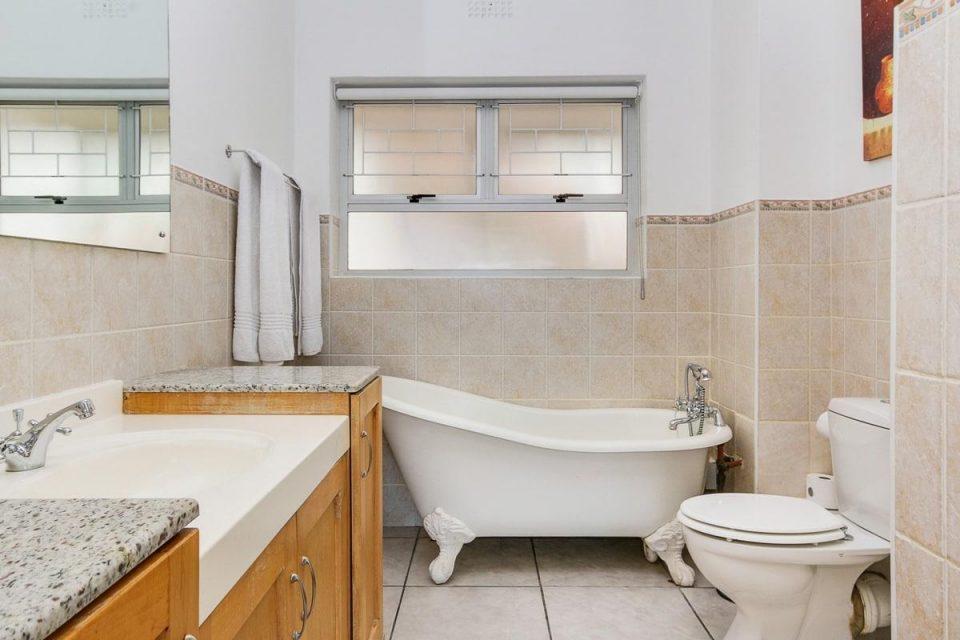 270 Degrees - En-suite to master bedroom