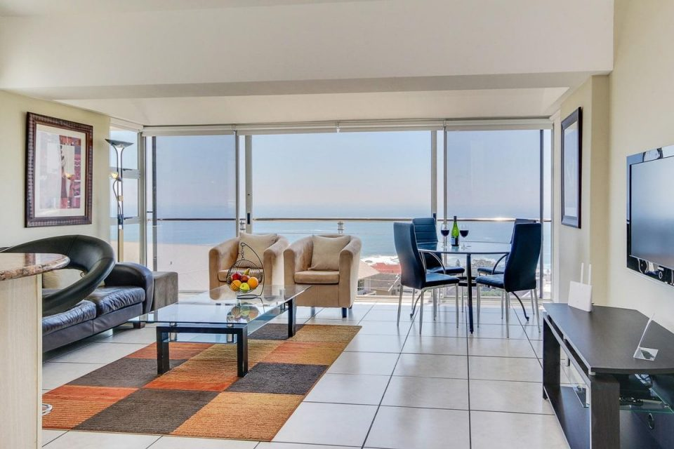 270 Degrees - Living area & view