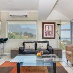 270 Degrees - Living & kitchen area