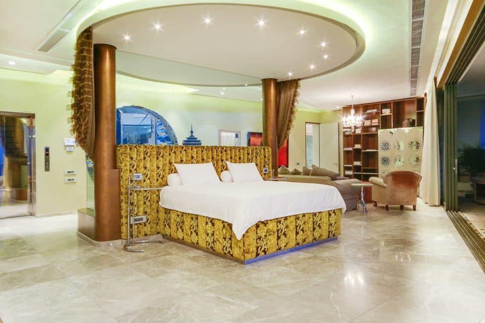 La Grande Vue - Master bedroom