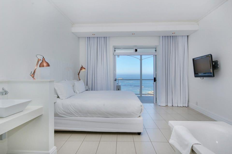 Nelson Villa - Master bedroom