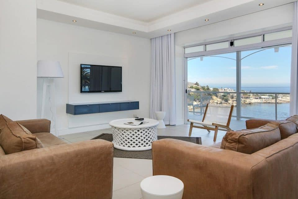 Nelson Villa - Living & TV area
