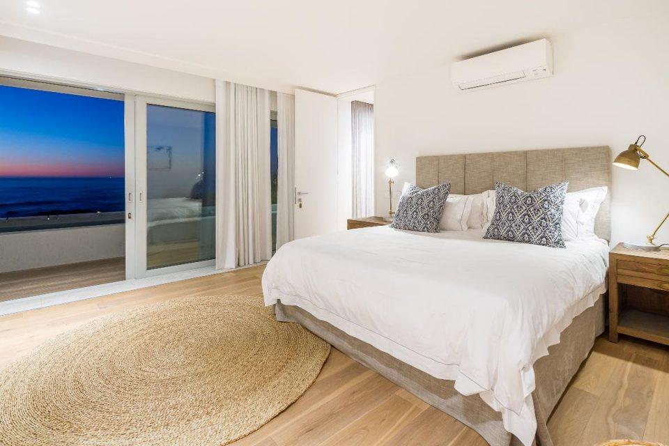 Onyx - Master bedroom & view
