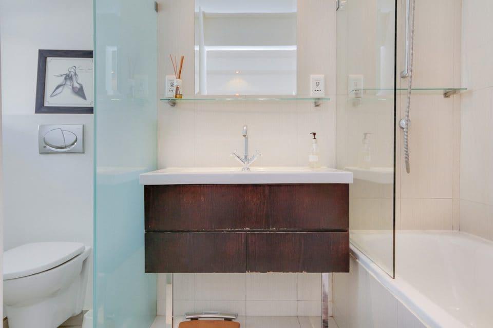Atlantic Spray - En-suite bathroom