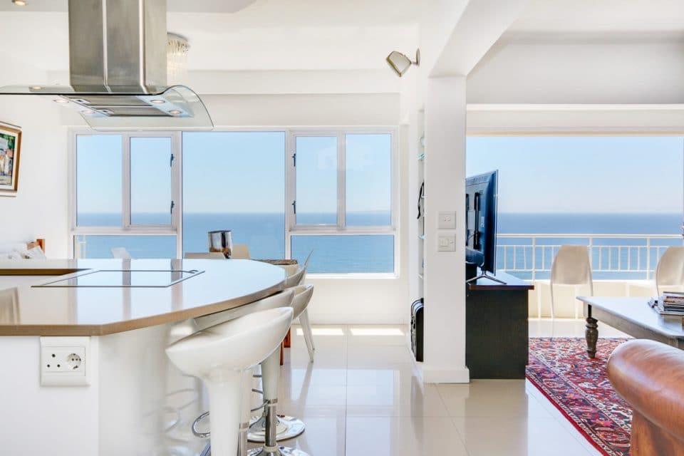 Atlantic Spray - Kitchen & living area