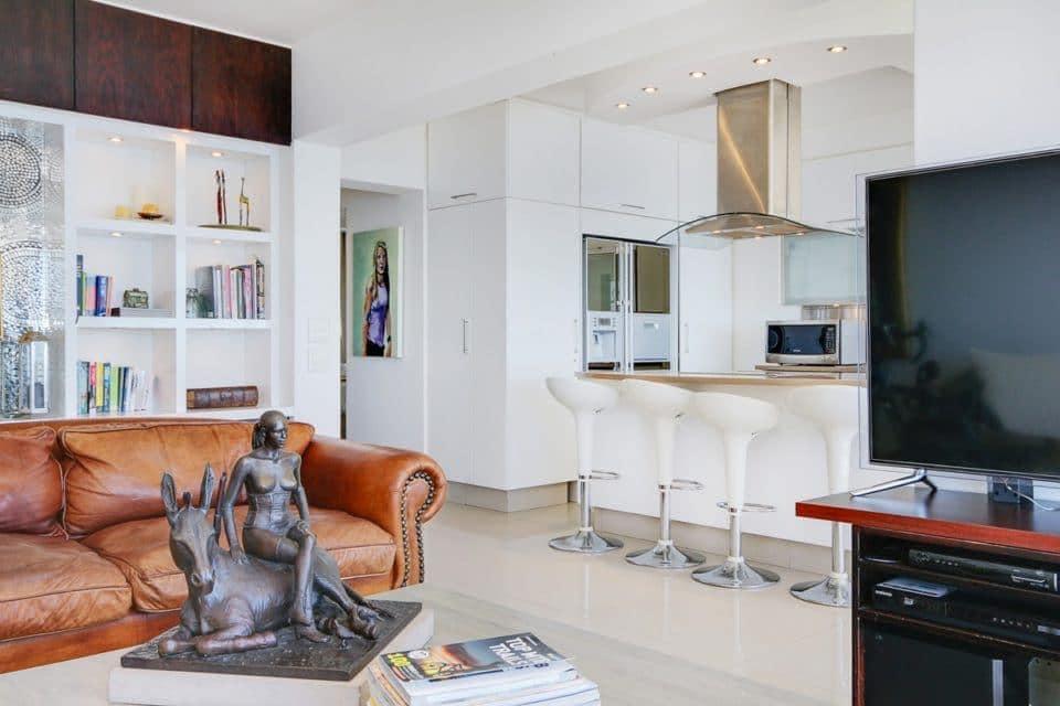Atlantic Spray - Living area & kitchen