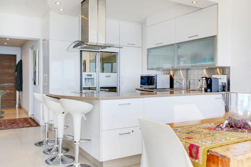 Atlantic Spray - Kitchen & dining area