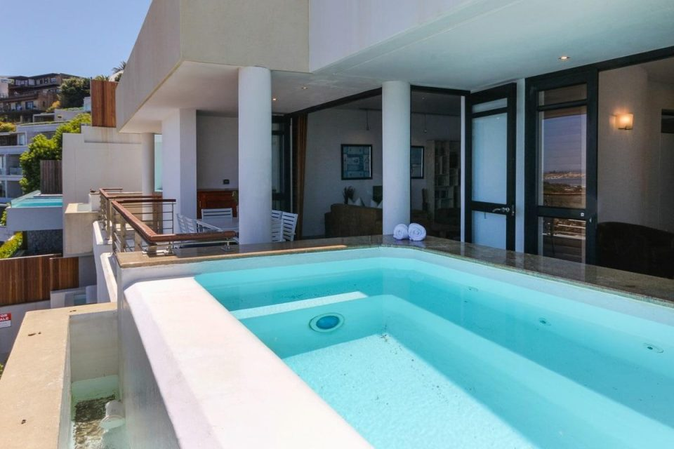 Bali Luxury Suite C - Pool